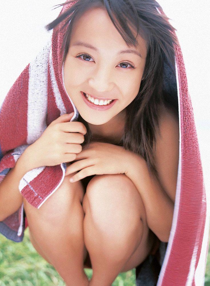 女優・北乃きいの貴重な水着&制服グラビアがエロ可愛い!画像まとめ