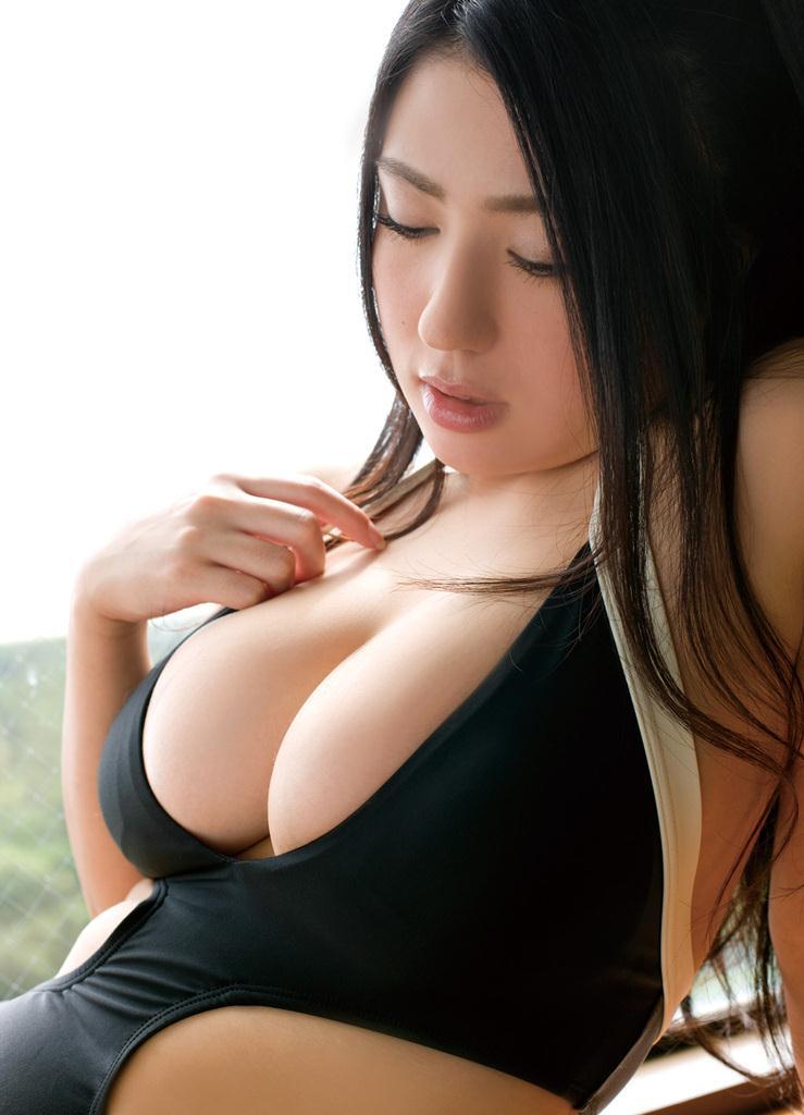 元女優・滝沢乃南の爆乳Iカップ水着グラビアがエロい!画像まとめ
