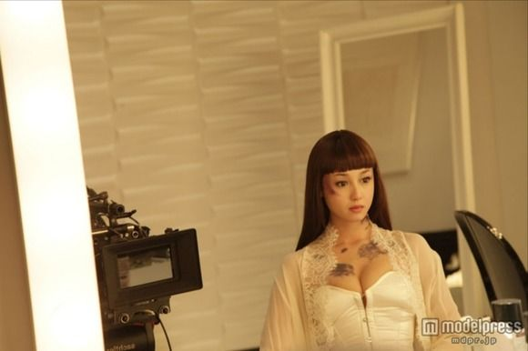 沢尻エリカが映画「ヘルタースケルター」で乳首とエロボディ解禁画像まとめ(15枚)