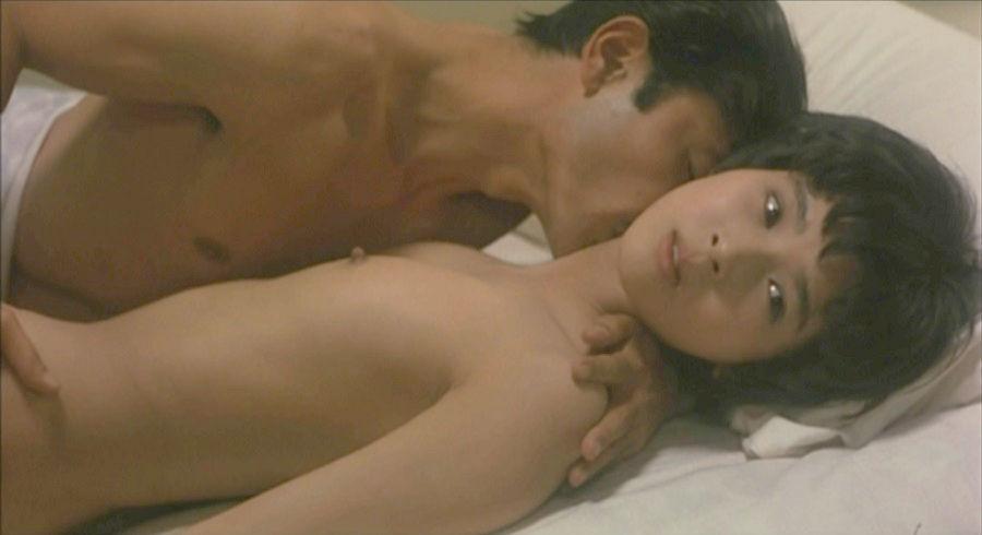 黒木瞳の過激なベッドシーン!おっぱい・生乳首★お宝エロ画像まとめ(18枚)