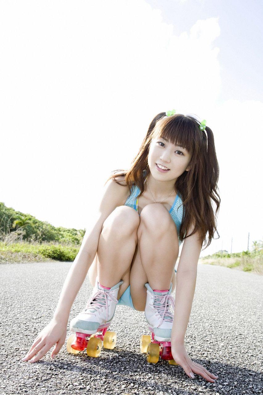 女優&タレント・中村知世のCカップ水着グラビアがエロい!画像まとめ