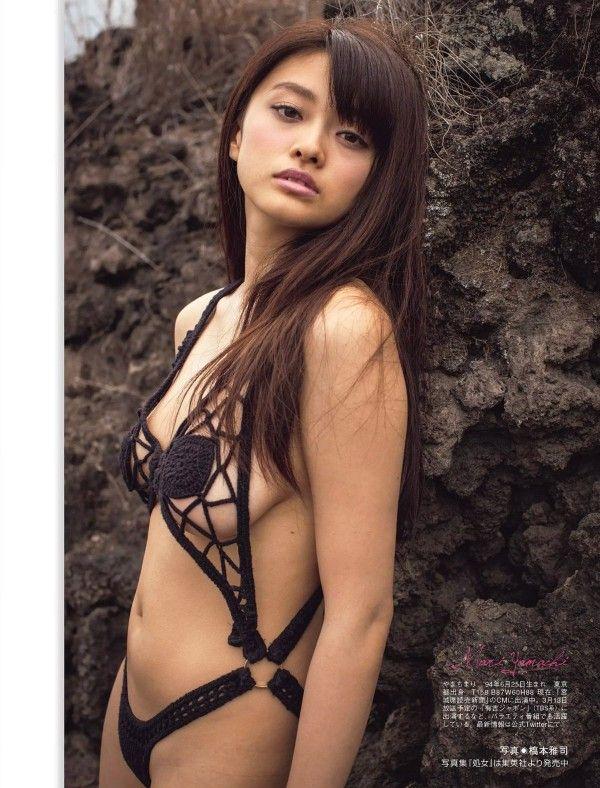 女優・山地まりのFカップ手ブラ&水着グラビアがエロい!画像まとめ