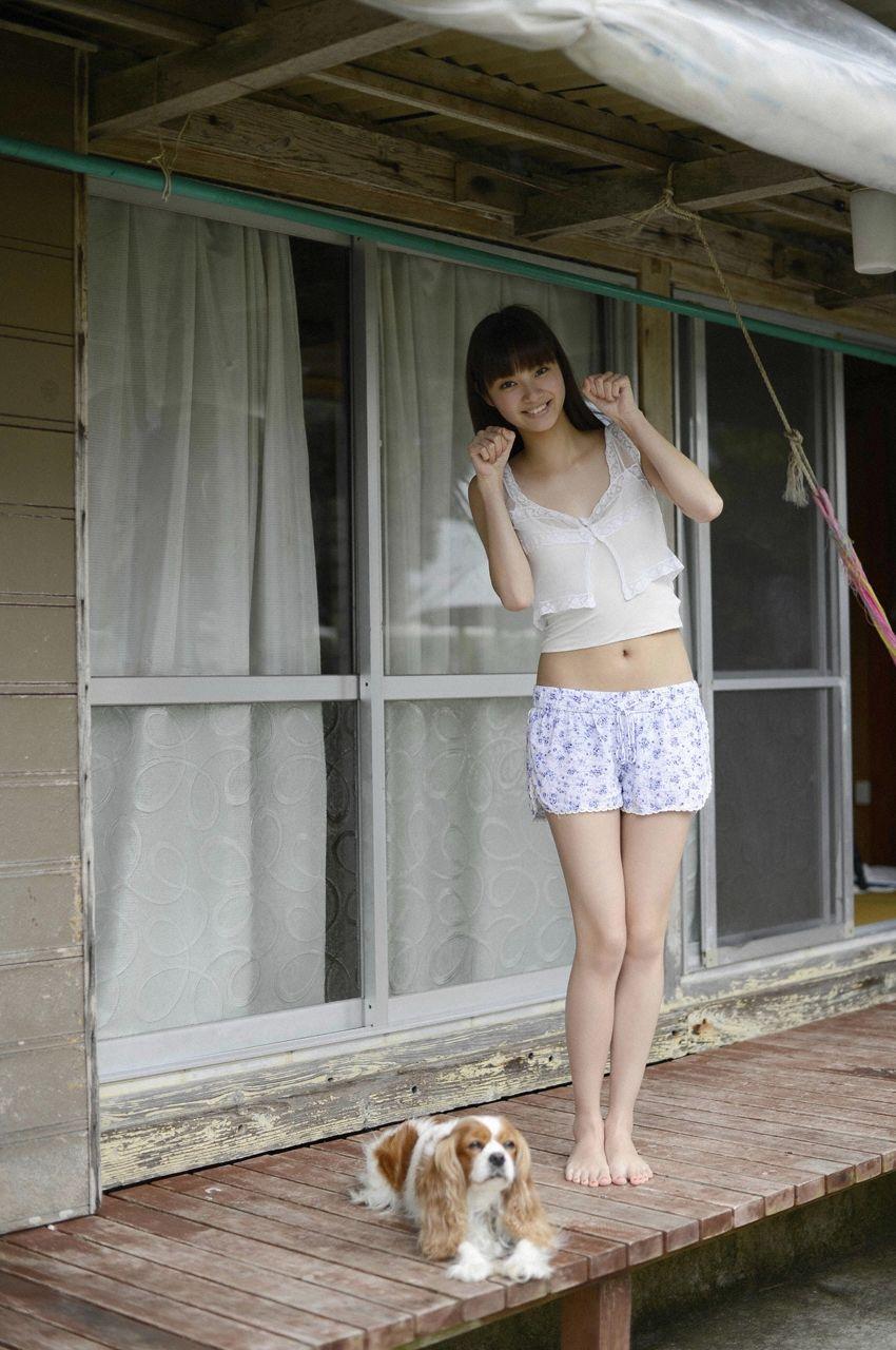グラビアアイドル・新川優愛のEカップ水着グラビアがエロい!画像まとめ