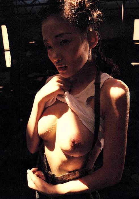 国舞亜矢のヘアーヌード写真集!!画像まとめ(29枚)