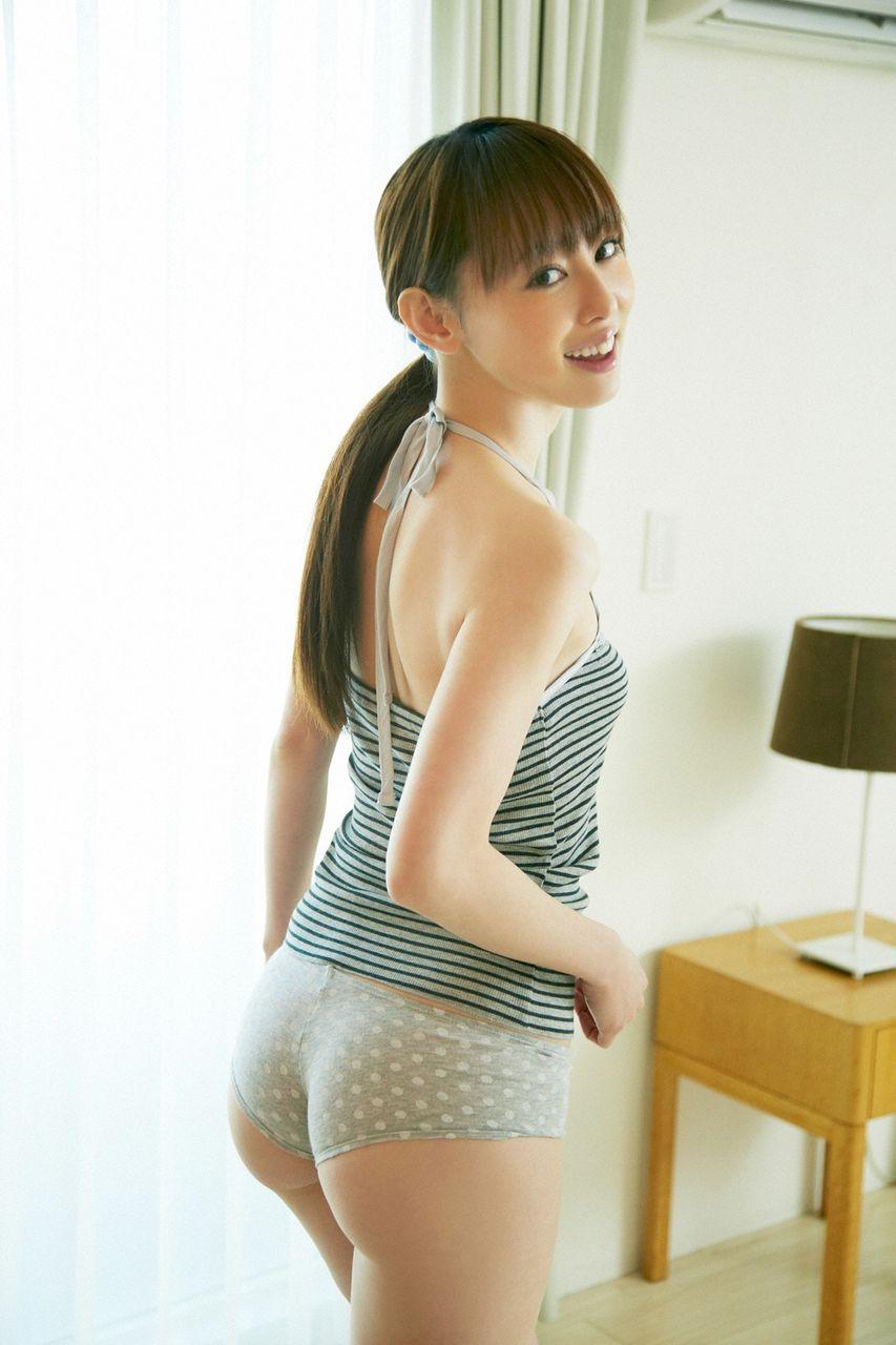 女優&タレント・秋山莉奈のAカップ美尻グラビアがエロい!画像まとめ