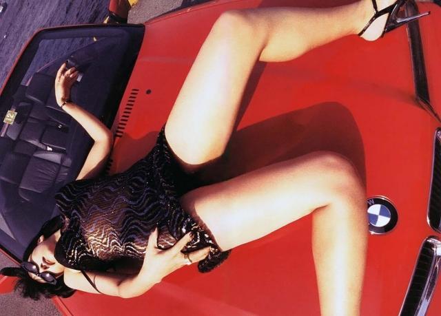 斎藤陽子パンチラ&おっぱいの谷間チラリの放送事故エロ画像!かつて「トゥナイト2」の美人キャスターのお宝画像まとめ(25枚)
