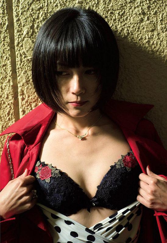 藤崎ルキノの乳首が透けているスレンダーボディ!ヌード画像まとめ(8枚)