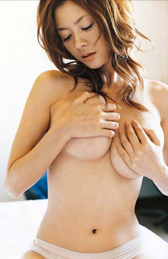 真木よう子Gカップの映画での乳首だし濡れ場・ヌードグラビアがエロ過ぎる!!画像まとめ(17枚)